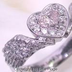 ピンクダイヤモンド 羽モチーフエンゲージリング(婚約指輪):E-003